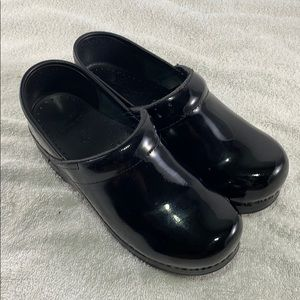 Dansko Black Patent Slip On Comfort Clog Shoe